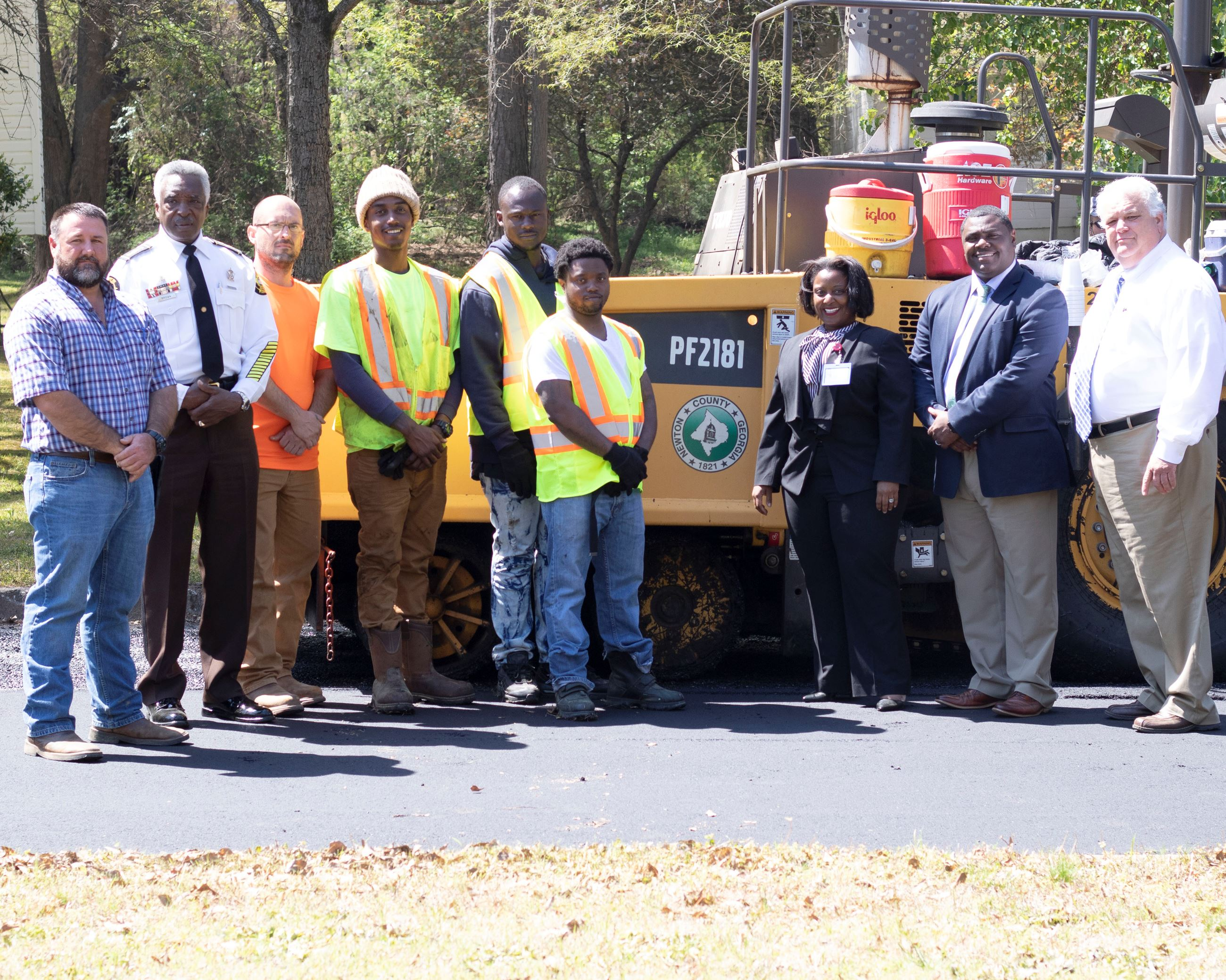 Image of NEWFORCE participants working for Public Works